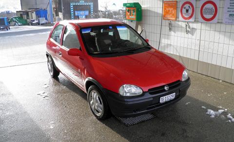3_Opel_Corsa_rot__1_.JPG