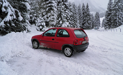 3_Opel_Corsa_rot__2_.JPG